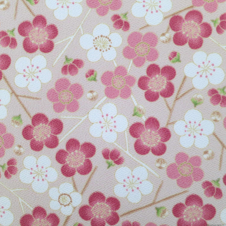 Tissu chirimen polyester avec motifs de fleurs de prunier