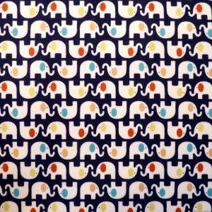Tissu motifs d'éléphants sur fond bleu nuit avec oreilles colorées