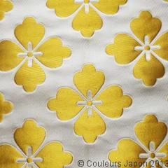 Tissu avec motifs hanabishi