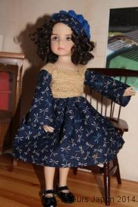 Robe de poupée en tissu libellules bleu nuit