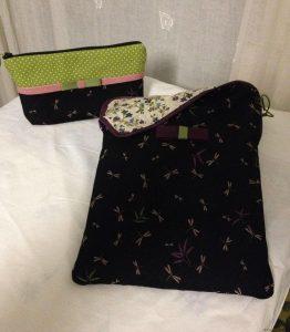 Pochette pour tablette en tissu noir petites libellules