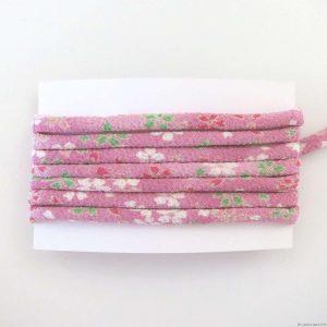 Cordon chirimen rose motifs de fleurs de cerisier