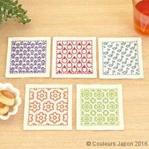 Kit sashiko 5 dessous de verre style hitomezashi